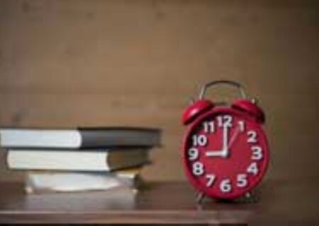 چگونه هنگام درس خواندن تمرکز داشته باشیم؟
