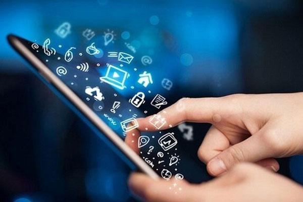 ضرورت حمایت و توانمندسازی طلاب برای ورود به فناوریهای نوین و اقتصاد دیجیتال