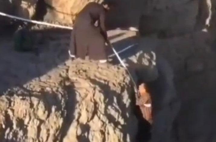 ماجرای عمامه ای که جان کوهنورد را نجات داد