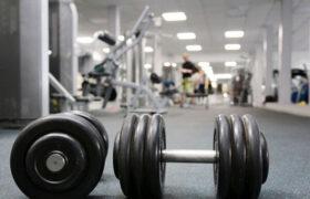 ۱۵ کاری که نباید در یک باشگاه ورزشی انجام دهید!