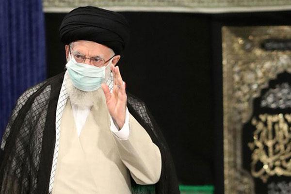 مراسم عزاداری در حسینیه امام خمینی (ره) با حضور رهبر معظم انقلاب
